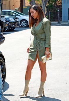 Kim Kardashian Photos - Kanye West and Kim Kardashian hit Ysabel restaurant in West Hollywood on July - Kanye West and Kim Kardashian Visit Ysabel Restaurant Khloe Kardashian, Estilo Kardashian, Kardashian Photos, Kardashian Wedding, Kardashian Fashion, Kendall Jenner En Bikini, Looks Kylie Jenner, Kendall Jenner Outfits, Meme Costume