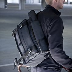 For those of you whom are in need of a versatile bag, with grate store space, easy access and cool look, we present you the VX Messenger Bags // AP Series.  Featuring the Arkiv® closure system, which allows you to get into what you need in one simple movement.  Check out the video is grate. We hope you enjoy it as much as we did.  www.facebook.com/divenirebarcelona