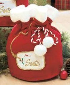Cute santa bags.  Great for Christmas morning!