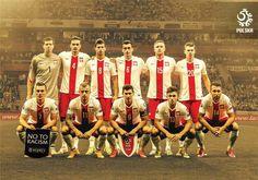 Oczywiście uwielbiam też grać w piłkę nożną  A tu na załączonym obrazku nasza reprezentacja Polski
