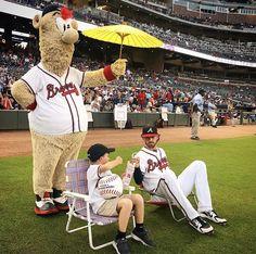 Hot Baseball Players, Major League Baseball Teams, Braves Baseball, Baseball Pants, Mlb Teams, Softball, Dansby Swanson, America's Favorite Pastime, No Crying In Baseball