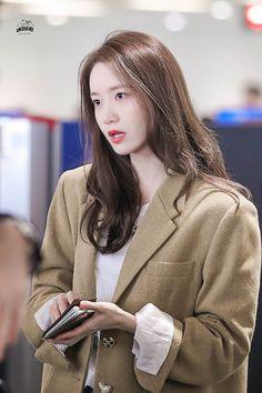 Yoona Snsd, Sooyoung, Girls Generation, South Korean Girls, Korean Girl Groups, Instyle Magazine, Cosmopolitan Magazine, Red Velvet Seulgi, Korean Actresses