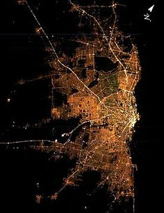Satellite image of Greater Buenos Aires at night Fractals, Places To See, City Photo, Urban, Night Lights, Nasa, Cry, Catalog, Heaven