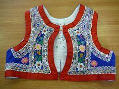 Hand embroidery. Chlapecká vesta - Svatobořice