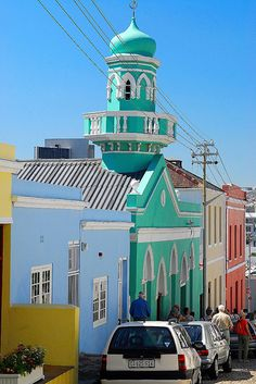 Vibrant, colorful and beautiful Mosques of Cape Town, South Africa. Islamic Architecture, Art And Architecture, Pretoria, Monuments, South Afrika, Beautiful Mosques, Cape Town South Africa, Out Of Africa, Place Of Worship