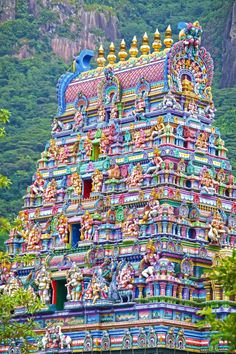 Architecture Discover The 7 Most Beautiful Temples in India Indian Temple Architecture, India Architecture, Gothic Architecture, Ancient Architecture, Ramanathaswamy Temple, Hindu Temple, Juno Temple, Places To Travel, Places To Go