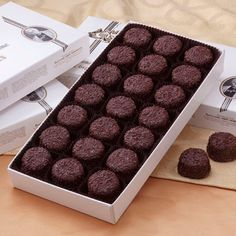 7 Best Candy Images Best Chocolate Candy Boxes Candy Gift Box