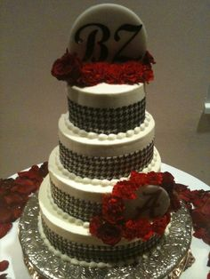 Alabama Inspired Wedding Cake - Roll Tide Roll