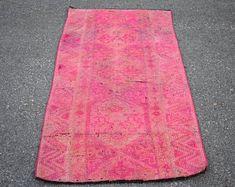 turkish rug oushak rug vintage rug turkey rug by turkishrugstar Boho Decor, Rustic Decor, Bohemian Rug, Types Of Rugs, Rustic Rugs, Hallway Rug, Bath Rugs, Pink Rug, Aztec Rug