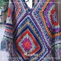 Poncho de crochê colorido