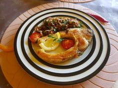 Crap la grătar cu salată de fasole și ceapă roșie Crap, Pancakes, French Toast, Breakfast, Morning Coffee, Pancake, Crepes