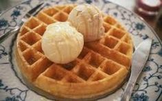 Waffles with ice cream Waffle Ice Cream, Greek Sweets, Sweet Bread, Crepes, Pancakes, Food And Drink, Favorite Recipes, Diet, Cooking