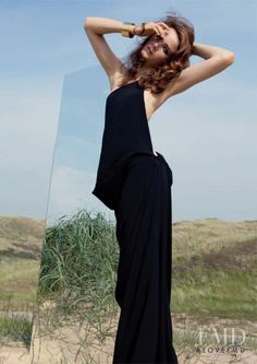 Jeux de Miroirs in Num�ro France with Anna de Rijk - Fashion Editorial   Magazines   The FMD #lovefmd
