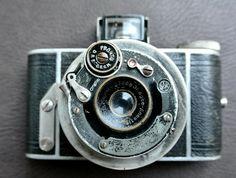 "Vintage Ihagee Parvola Camera, Vintage Camera, 1930s Camera, 127 Film Camera, Double-Helicoid Telescopic Lens, Removable Back,""Weeny Ultrix"" by DomesticTitanVintage on Etsy"