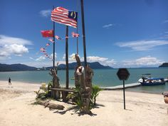 Langkawi, the first stop on my solo travel journey through Malaysia, meeting people, summer sun and more – Aperture & Wanderlust Sky Bridge, Jet Skies, Malaysia Travel, Perth Australia, Paradise On Earth, Amazing Sunsets, Underwater World, Small Island, Borneo