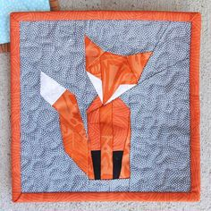Of all the things I've tried this year, foundation paper piecing is my favorite! Looking for free paper piecing patterns can be overwhelming; I am drawn to modern shapes and graphic animals. Free Paper Piecing Patterns, Beginner Quilt Patterns, Quilting Patterns, Beginner Quilting, Quilting Tips, Pattern Paper, Foundation Paper Piecing, Patchwork Quilting, Easy Quilts