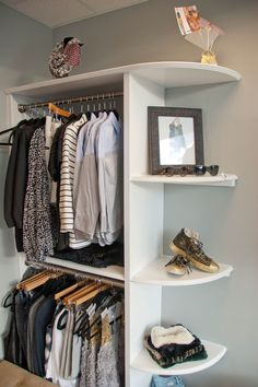 Add style and storage space to your bed room with these open closet designs This could work in the back bedroom; it is a small space, so this could add closet space without having to take too much out of the bedroom. Corner Closet, Closet Bedroom, Closet Space, Home Bedroom, Bedroom Decor, Bedrooms, Bedroom Ideas, Master Closet, Extra Bedroom