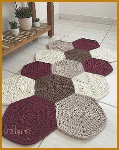 Diy Crafts - This week I missed this rug that I simply .- Essa semana bateu uma saudade desse tapete que eu simplesmente amei fazer! Crochet Doily Rug, Crochet Carpet, Crochet Rug Patterns, Crochet Motifs, Crochet Home, Diy Crochet, Crochet Flowers, Crochet Stitches, Knit Rug