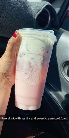 Bebidas Do Starbucks, Healthy Starbucks Drinks, Yummy Drinks, Starbucks Smoothie, Starbucks Hacks, Starbucks Secret Menu Drinks, Starbucks Coffee, Iced Coffee, Coffee Drinks