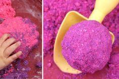 2 recettes de sable lunaire! Une activité sensorielle que les enfants adorent!