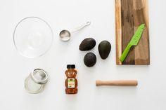 Gesichtsmaske mit Honig und Avocado selber machen - Anleitung
