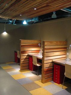 Pallet Office Table Divider
