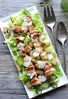 Chicken Kebab Caesar Salad--All I need now is a good Ceasar Salad dressing recipe eating-drinking Chicken Ceasar, Chicken Caesar Salad, Salad Dressing Recipes, Salad Recipes, Grilled Chicken Kabobs, Chicken Kebab, Ceasar Salad, Clean Eating, Healthy Eating