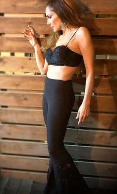 Αποκάλυψη της Δέσποινα Βανδή: Αυτή είναι η Θαυματουργή Δίαιτά που την κάνει να έχει κoρμί που Κόβει την Ανάσα. | Type Magazine Two Piece Skirt Set, Celebrities, Skirts, Dresses, Fashion, Vestidos, Moda, Celebs, Skirt