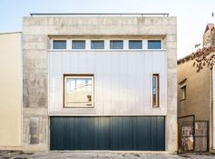 House Carrer Migdia is a naturally ventilated day-lit home in Barcelona