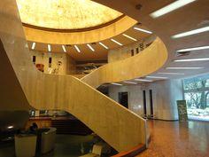El Museo de Arte Moderno se llena de Abstracción.