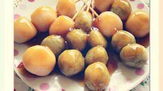 日式丸子是日本傳統的一種小點心,有甜的鹹的很多種口味。材料主要是糯米粉和米粉。簡單的材料就可輕易做出彈牙好吃的日式丸子~