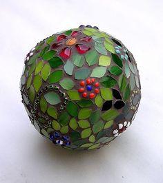 Mosaic Glass Christmas Ornaments & Spheres