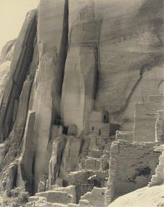"""blackv: """"Laura Gilpin (American, Cliff Dwelling of Betatakin, Navajo National Monument, Arizona, 1930 """" Navajo National Monument, Four Corners, Ancient Ruins, Ancient Architecture, Land Art, Native American Indians, Vintage Photographs, Archaeology, American History"""