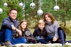 Natalie Schindler Photography: Outdoor Christmas Mini Sessions