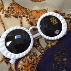 Super cute white sunnies!! So perfect for any occasion!!!  ON200715 Accessories Sunglasses