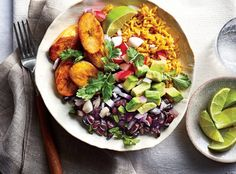 Cuban Black Bean-and-Yellow Rice Bowls Recipe — Southern Living Cuban Black Beans, Yellow Rice, White Rice, Cooking Recipes, Healthy Recipes, Rice Recipes, Delicious Recipes, Cooking Corn, Cooking Steak
