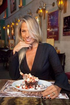 Adriane Galisteu ganha sobremesa com seu nome em restaurante
