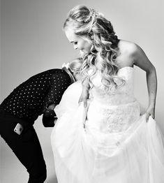 Actie foto tijdens een bridal shoot.  Fotograaf: Peggy Hoe Model: Dominique Murk Bruidsjurk en sieraden: Joan de Meza Hairextensions: Zaschahairextensions Visagie/haar: Glam & Lashes Lashes, Wedding Dresses, Model, Fashion, Bride Dresses, Moda, Bridal Gowns, Fashion Styles