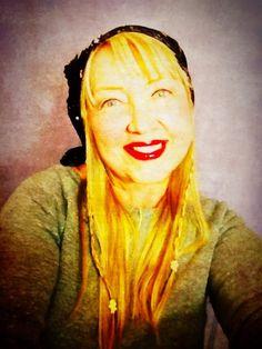 DeVora Clark - Singing Guitarist in St Petersburg, Florida