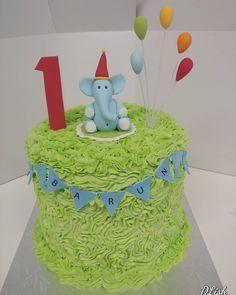 Smash Cake #smashcake #elephant #balloons #one #1 #cake #dlish Elephant Birthday Cakes, Cakes For Boys, Cake Smash, Balloons, Baking, Desserts, Instagram, Food, Bread Making