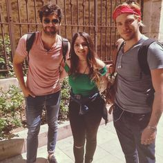 Just in time for #sherdariosunday our amazing #parabatai met with a fan on their holiday in Spain . Via @sandy_mysterious . ________…