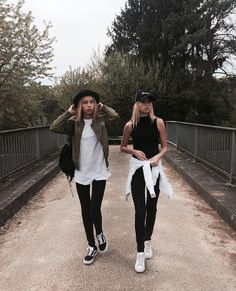 @ryleeaira Punk Outfits, Tumblr Outfits, Casual Outfits, Fashion Outfits, Look Fashion, Teen Fashion, Lisa Or Lena, Vintage Outfits, Good Vibe