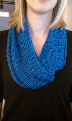 Free Pattern: No. 33 Cowl
