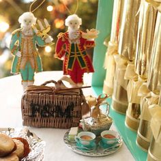 Christmas crackers with tree decorations and mince pie of Fortnum & Mason. So festive!
