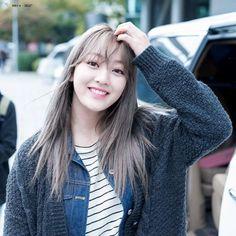 Hasil gambar untuk twice jihyo smile Kpop Girl Groups, Korean Girl Groups, Kpop Girls, Twice Tzuyu, Twice Dahyun, Rapper, Extended Play, Nayeon, K Pop