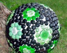 Mosaico de bola de bolos, yarda arte, esfera de jardín, mirada de la bola, negro y verde jardín decoración