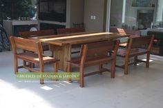 mesa rustica de madera con bancos