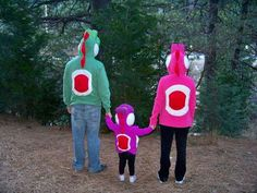 How to make Yoshi hoodies for the whole family! (I wonder if I could make one or two kitten sized.) - DIY and Crafts Yoshi Halloween, Halloween 2018, Holidays Halloween, Halloween Crafts, Halloween Party, Halloween Ideas, Healthy Halloween, Family Costumes, Diy Costumes