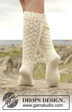 Marie Antoinette pattern by DROPS design Lace Socks, Knit Mittens, Crochet Slippers, Knitting Socks, Knit Crochet, Boots With Leg Warmers, Thigh High Leg Warmers, Drops Design, Knitting Patterns Free