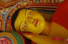 Bouddha couché à Anuradhapura, Sri Lanka